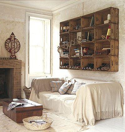 Cassette di legno per arredare un soggiorno