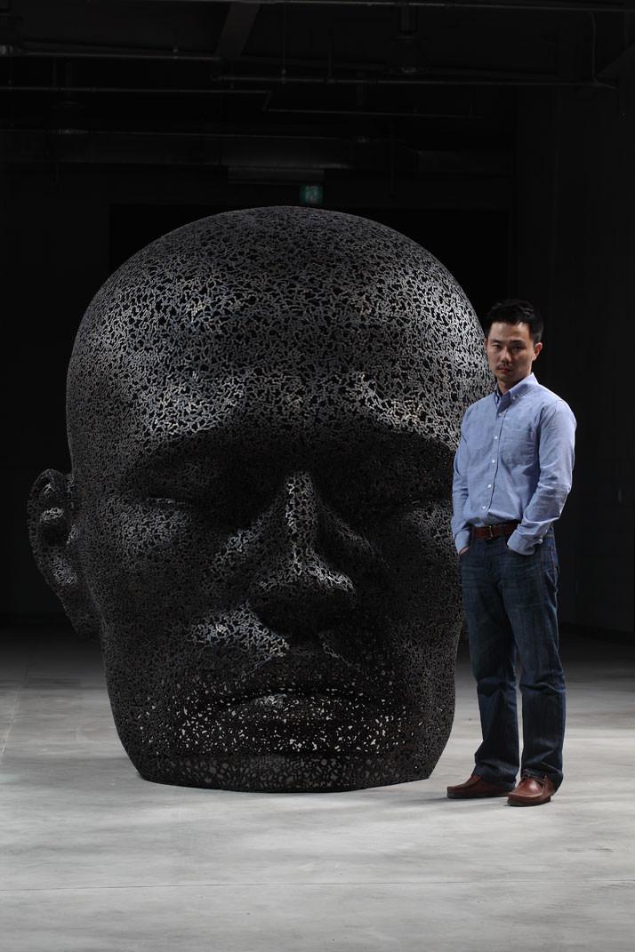 Seo Young-Deok,  scultore che crea utilizzando le catene di bicicletta