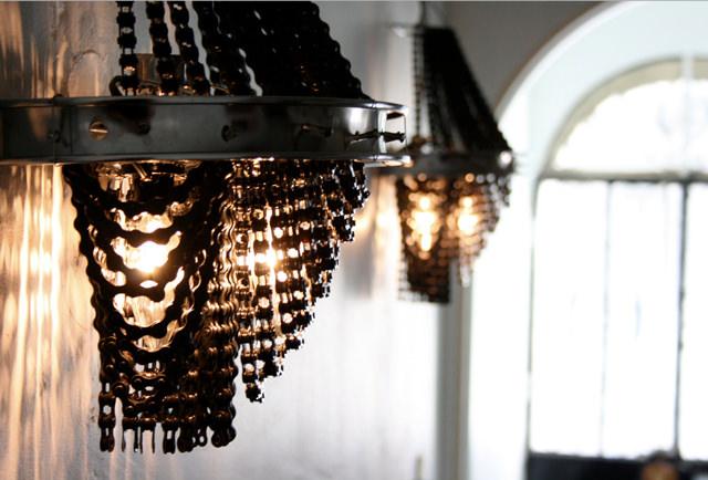 lampadari riciclati : lampadari realizzati con elementi riciclati delle biciclette, di ...