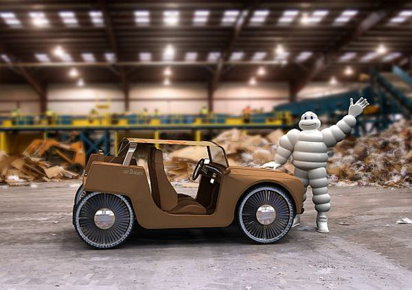 Car-D-Board, l'auto ibrida in cartone riciclato