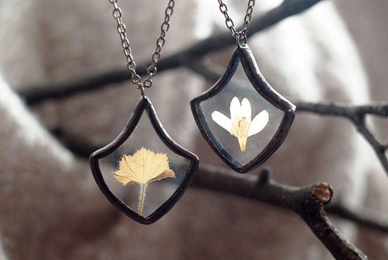 nature-bijou-pendentifs-vintage-Stanislava-Korobkova
