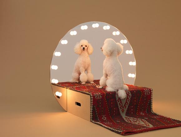 Architettura da cani: costruisci con le tue mani le cucce disegnate da 13 famosi artisti