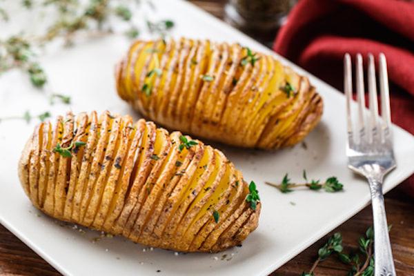 Hasselback patate forno ventaglio ricetta vegan vegetariana